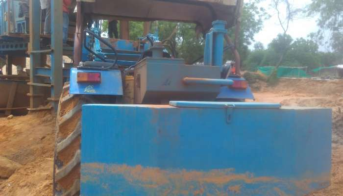 Used tractor loader for sale in Gujarat