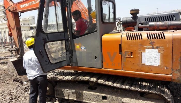 used tata hitachi excavator in bharuch gujarat ex 110 he 2011 520 heavyequipments_1526561920.png