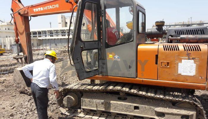 used tata hitachi excavator in bharuch gujarat ex 110 he 2011 520 heavyequipments_1526561927.png