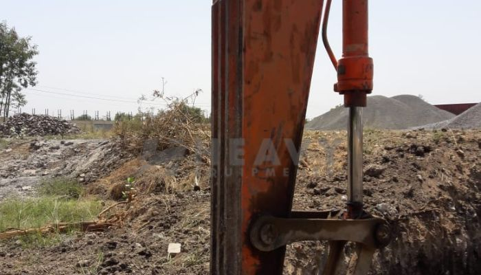 used tata hitachi excavator in bharuch gujarat ex 110 he 2011 520 heavyequipments_1526561936.png