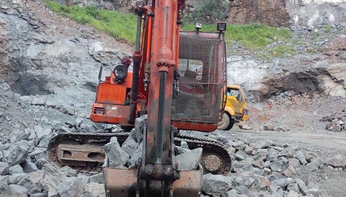 used tata hitachi excavator in valsad gujarat tata ex110 with breaker he 2010 1265 heavyequipments_1544697431.png