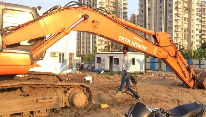 used tata hitachi excavator in valsad gujarat zaxis 210 he 2013 1289 heavyequipments_1545463205.png