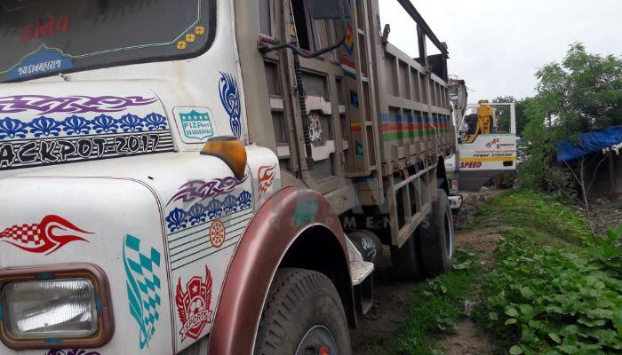 used tata trucks in bharuch gujarat tata 6 tyre truck he 2008 955 heavyequipments_1533720390.png