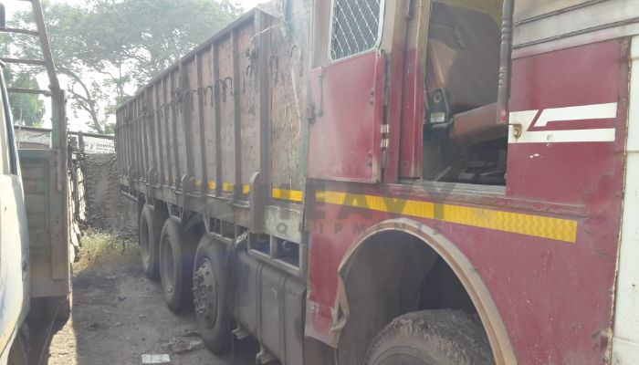 used tata trucks in hajira ina gujarat tata 3118 truck he 2009 1237 heavyequipments_1543557993.png