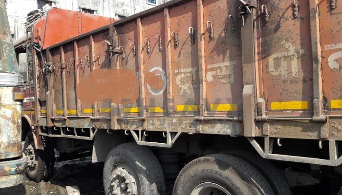 TATA 3118 Truck