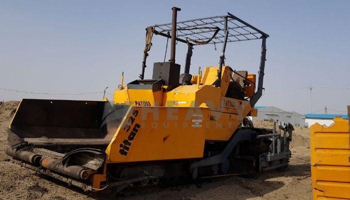 used titan paver in jhansi uttar pradesh 9meter paver he 2002 475 heavyequipments_1525777199.png